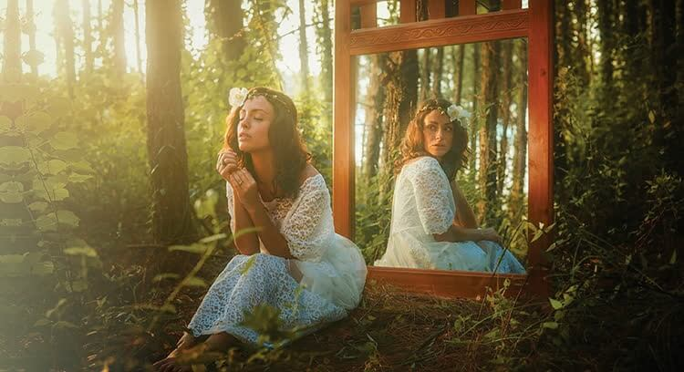 отображение мыслей в зеркале