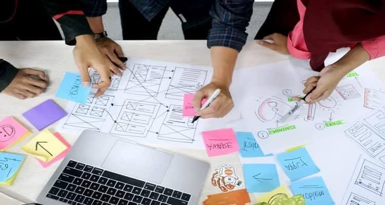 Коллективная работа дизайнеров