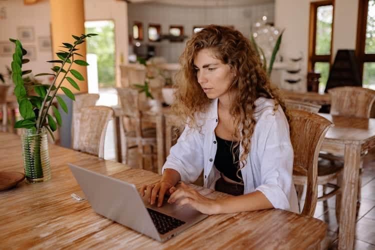Кто такой блоггер и что нужно чтобы зарабатывать в интернете